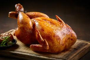 Technique de chef pour cuisiner un poulet - Comment cuisiner des restes de poulet ...